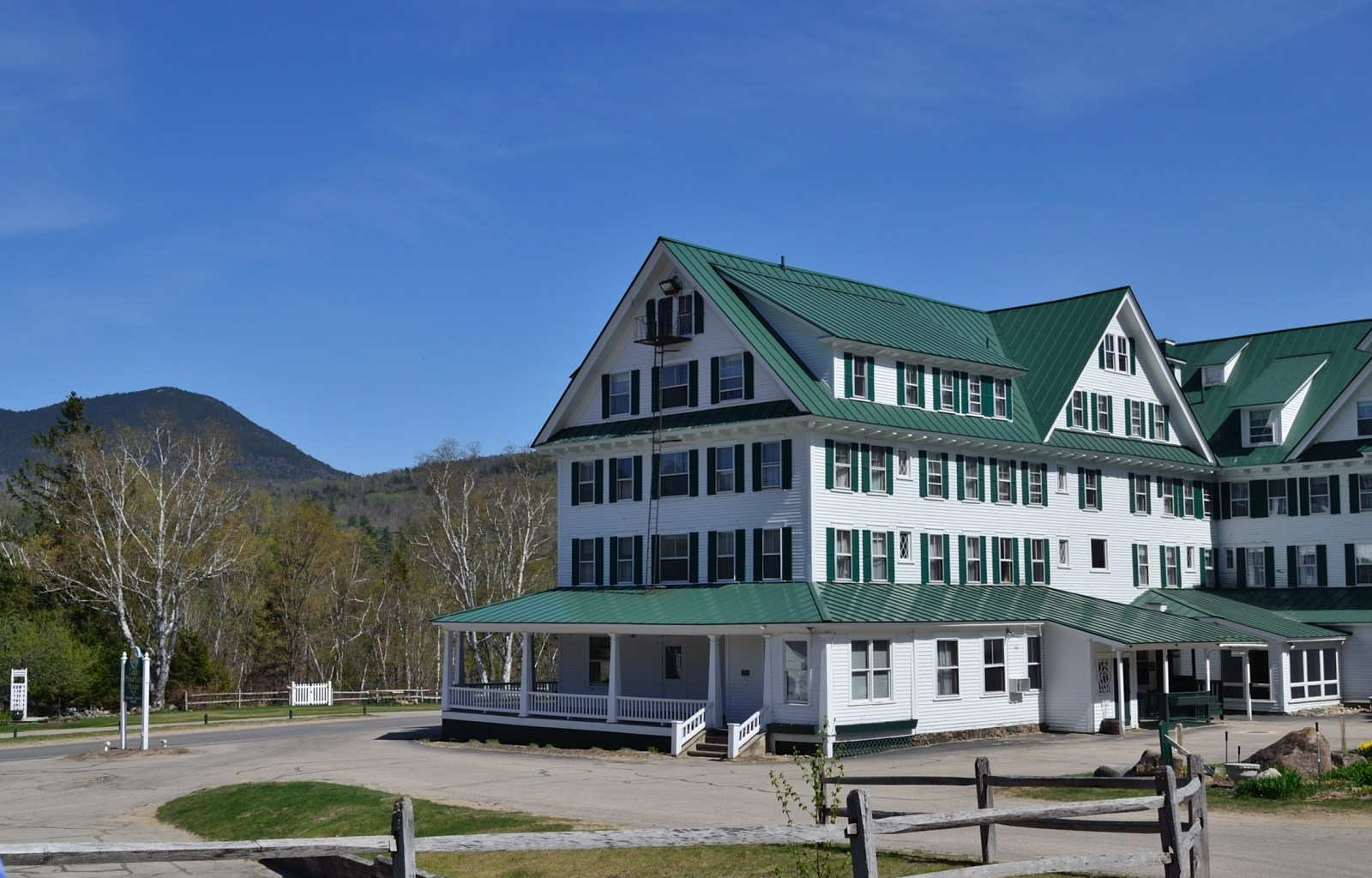 Eagle Mountain House and Golf Course